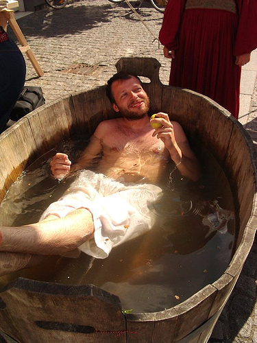 Why Bathing Was Uncommon In Medieval Europe