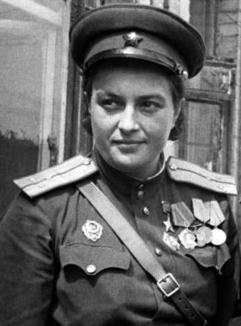 Lyudmila-Pavlichenko-3.jpg