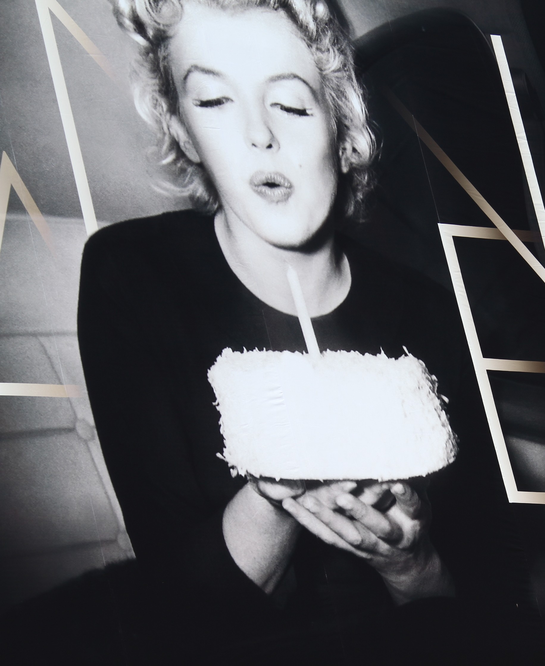 The Story Behind Marylin Monroe's Nude Calendar