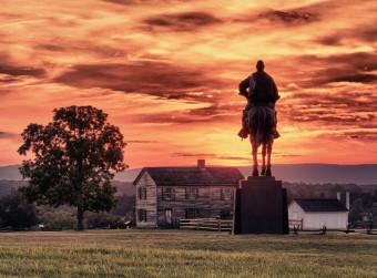 sunset-statue