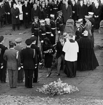 kenedy-burial