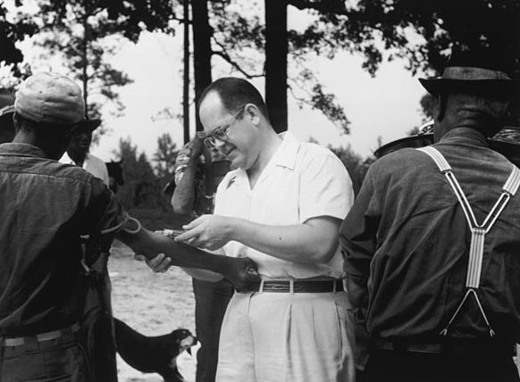 tuskegee syphilis experiment In 1932 a secret study was created to research the effects syphilis had on black  males taking place in macon county alabama, the study asked for men who.