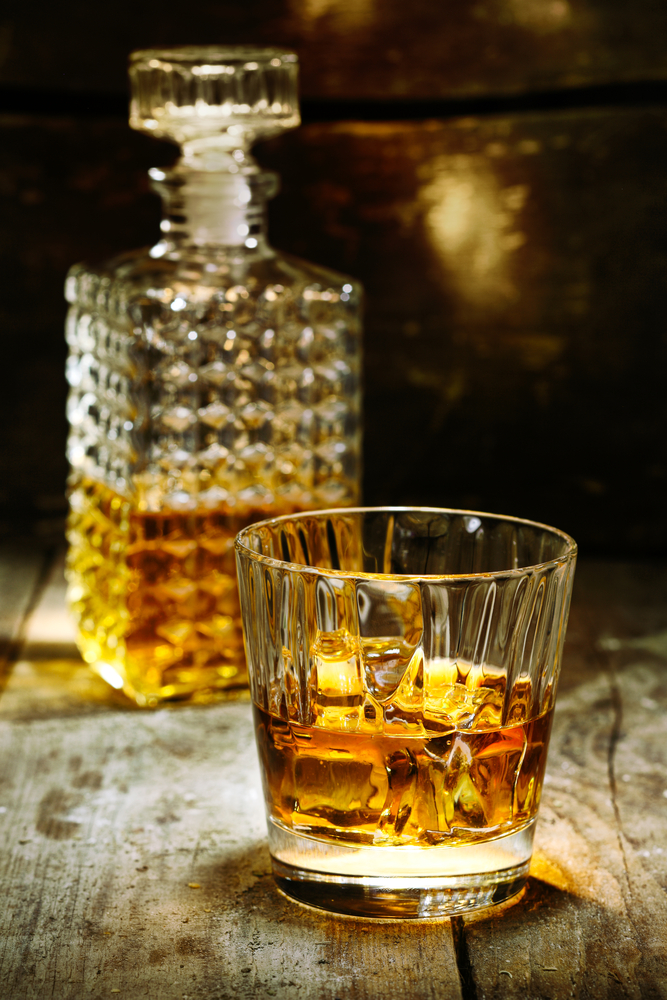 900ml Vintage Decanter Glass Liquor Whiskey Crystal Bottle ... |Whisky Bottle With Glass