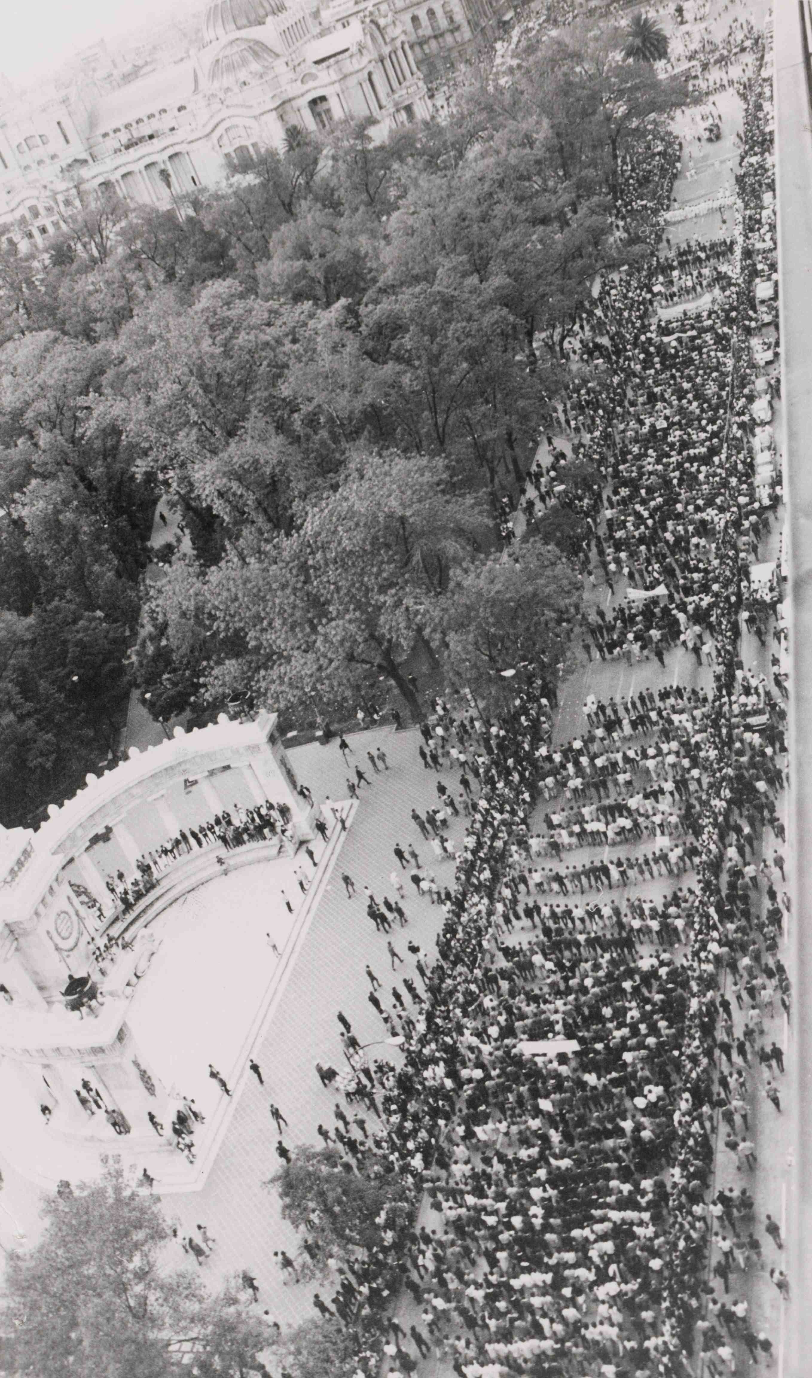 the tlatelolco massacre in mexico essay 1968 was an especially volatile year in many countries around the world in france, the united states, and mexico, youth and leftist rebellions escalated to.