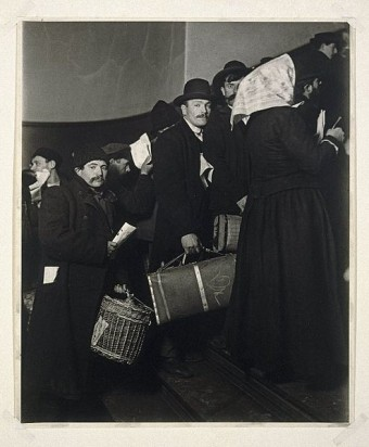 arriving-at-ellis-island