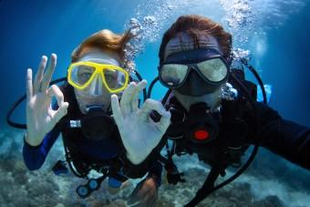 OK-scuba-divers