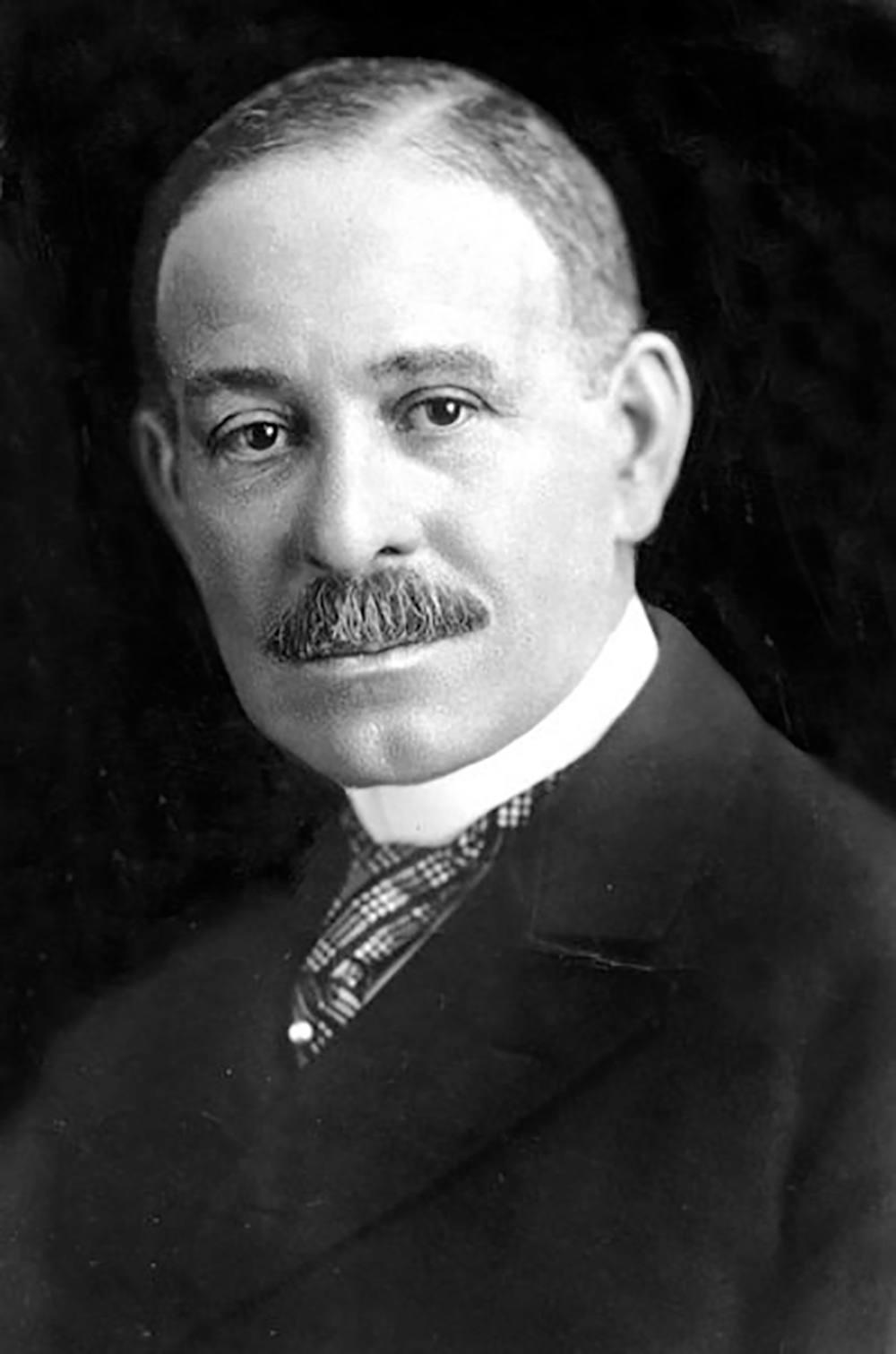 a biography of daniel hale williams an african american general surgeon Daniel hale williams (january 18, 1856 – august 4, 1931) was an african- american general surgeon, who in 1893 performed the  daniel hale williams  was born in 1856 and raised in the city of hollidaysburg, pennsylvania his father .