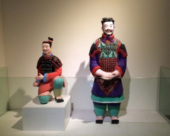 Restored_colored_terracotta_warriors
